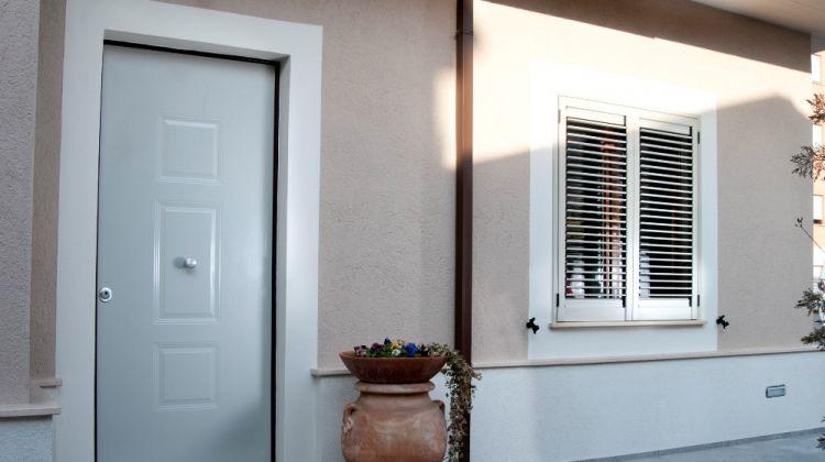 Rivestire in pvc o alluminio le porte blindate torino