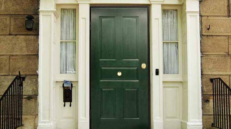 Piante In Casa Feng Shui : Una buona porta di ingresso ecco cosa significa secondo
