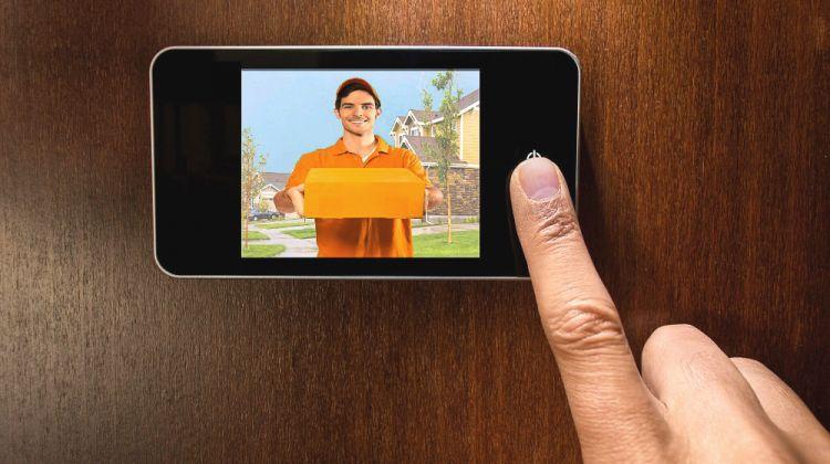 Lo spioncino elettronico digitale per le porte blindate torino for Spioncino elettronico per porte blindate