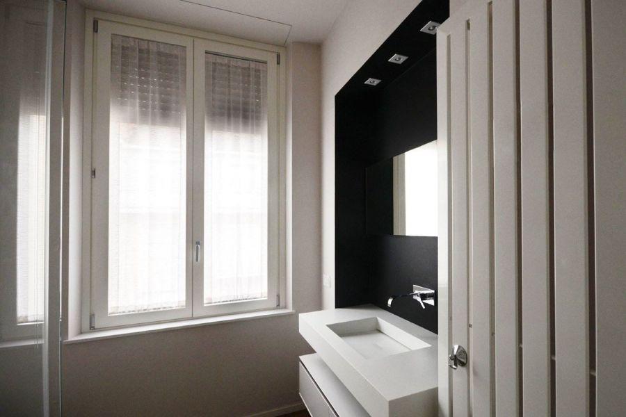 Bagno finestra nella doccia
